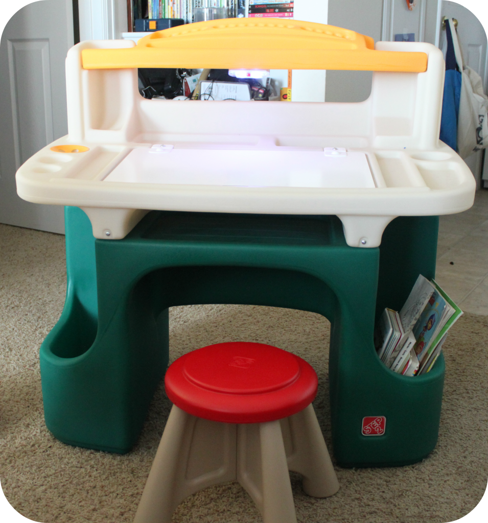Incredible Step2 Art Master Activity Desk The Denver Housewife Bralicious Painted Fabric Chair Ideas Braliciousco